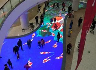 LED互动地砖屏案例,LED地砖屏前景怎么样?