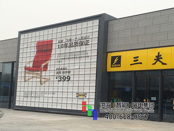 北京海淀落地十面翻广告牌施工图片