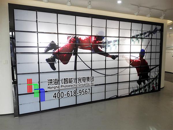 浙江杭州室内墙体十面翻展示牌施工图片
