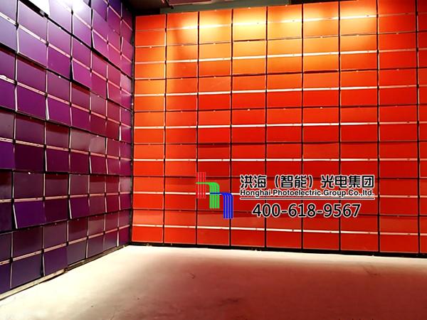 江苏苏州机械十面翻板室内展示牌施工图片